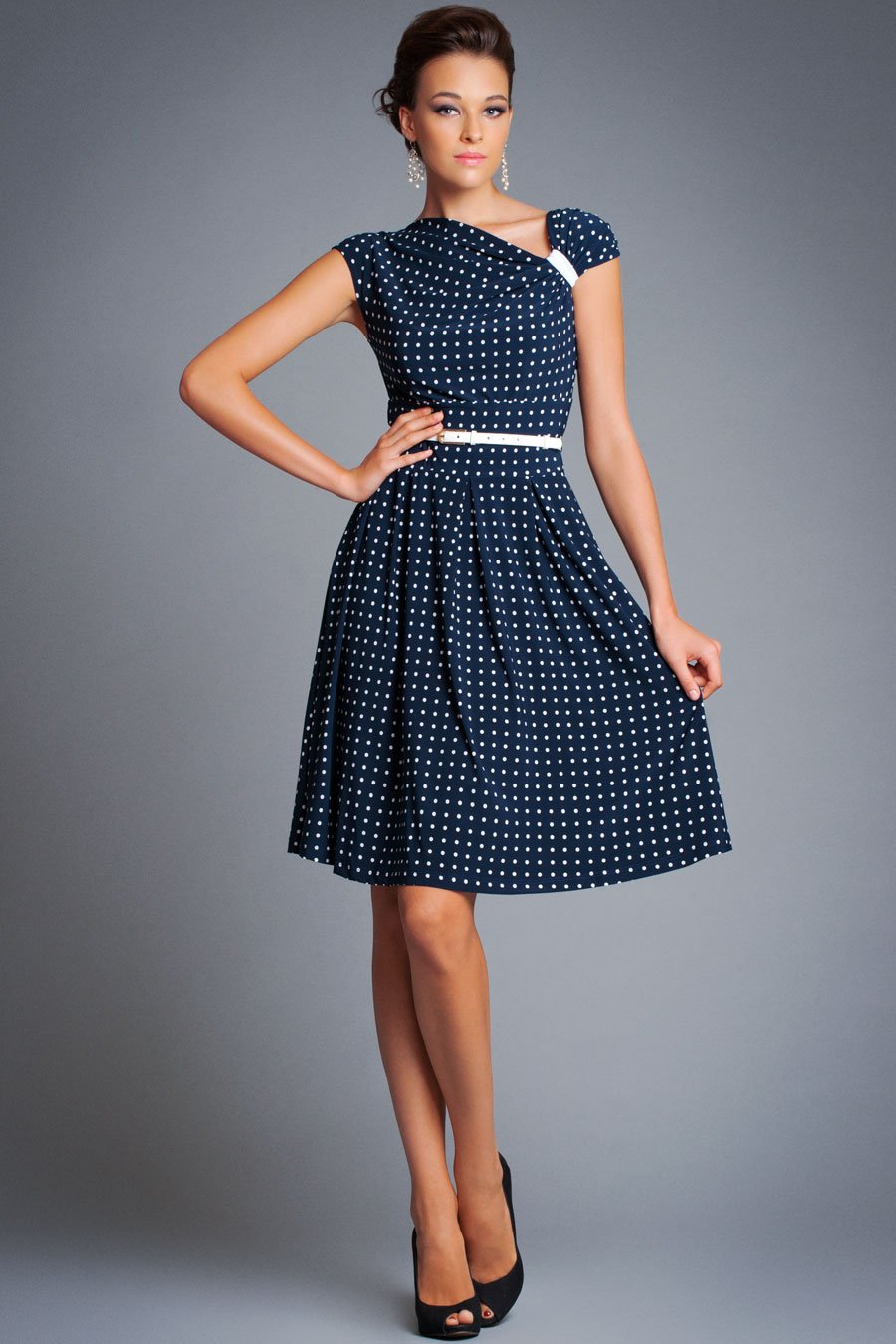 Фото фасоны платьев для худых женщин