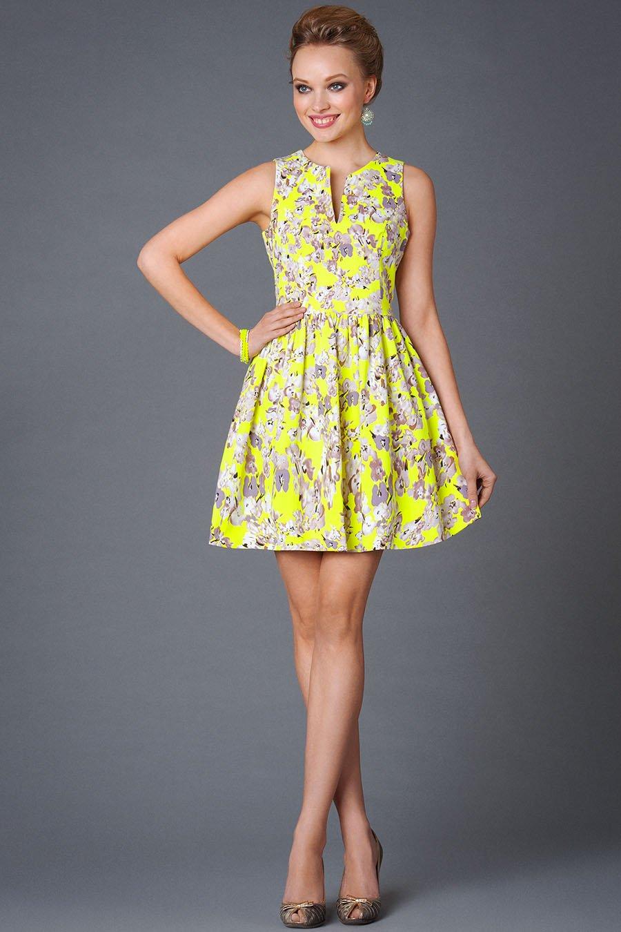 Летнее платье с высокой талией